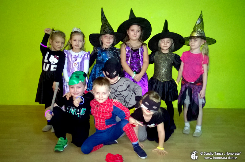 zabawa-andrzejkowa-4-5-lat-studio-tanca-honorata-taniec-dla-dzieci-tarnow